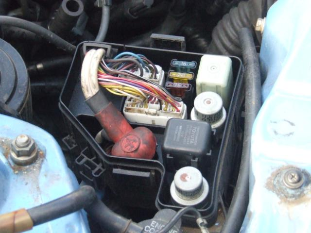 pic25 knowledge base how to 3sge to 3sge engine change mr2 engine bay fuse box at panicattacktreatment.co